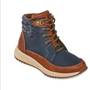 Warm & Stylish Winter Boots with Cozy Lining. 8